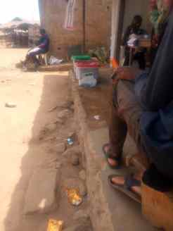 At 12:56 Oyo North, Ogbomosho North LGA, Ward 5,PU 006,- no voting at the moment, officials are waiting for 2pm to to close voting for the day.