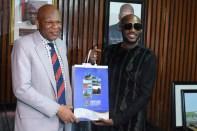 2baba and OAU VC, Prof. Eyitope Ogunbodede.