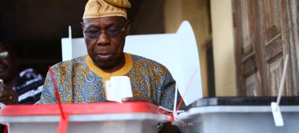 Former President Olusegun Obasanjo casting his ballot at Ward 11, Unit 022, Olusomi Compound, Totoro/Sokori, in Abeokuta on Saturday (9/3/19). 02033/9/3/2019/Babatunde Atolagbe/BJO/NAN