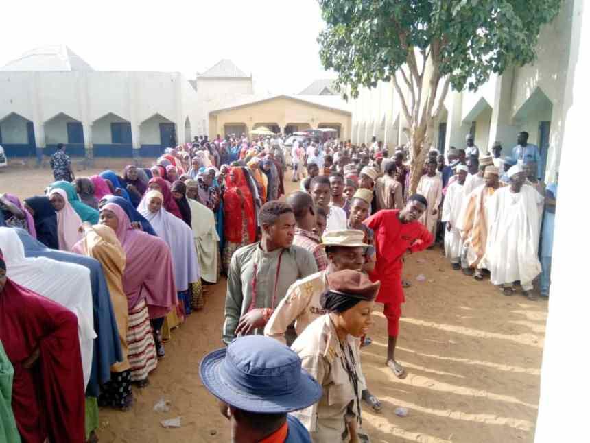 09 AM PU 003 Magajin Rafi B Ward, Sokoto North LGA. Voting started 08:27 AM, a little later than the 08 AM schedule, the PO says.