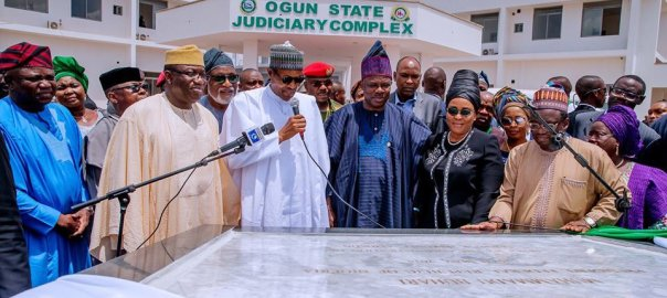 President Buhari alongside Governor Ibikunle Amosun of Ogun State acknowledges the crowd shortly after commissioning Adire Mall in Ogun State on 25th May 2019. Pictures 2 [Photo: @usmanyusuf]