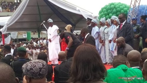 Sanwo-Olu and family while he recites the oath of office.