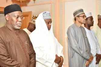 Buhari meets Tinubu, Sultan in Makkah