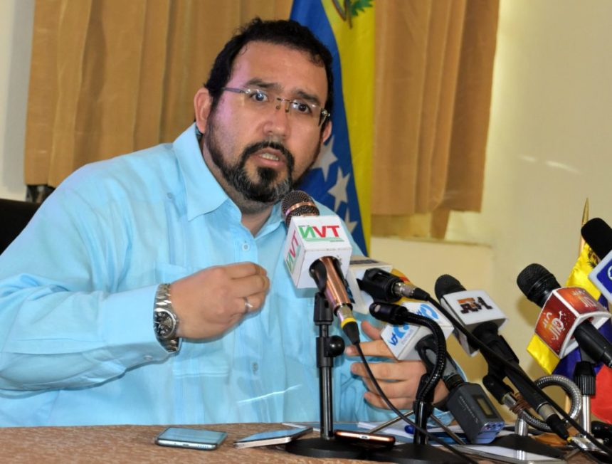 Venezuelan Ambassador to Nigeria, David Nieves Velásquez Caraballo, addressing a news conference on alleged economic blockade and unilateral coercive measures against Venezuelan government by the US government in Abuja on Friday (29/3/19). 02559/29/3/2019/Anthony Alabi/ NAN