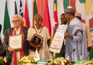 PRESIDENT BUHARI PRESENT 55 SESSION ECOWAS AWARD 2-800x562