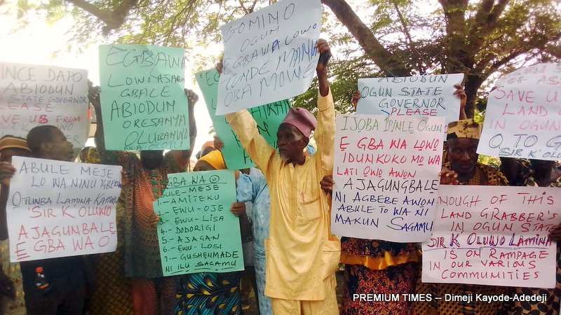 The Ogun communities in Sagamu Local Government Area of Ogun State protesting against land grabbers