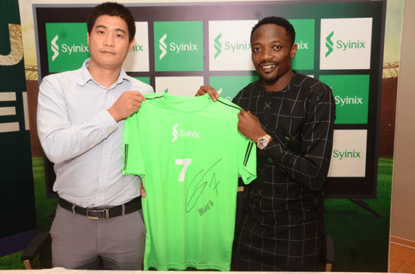 Ahmed Musa and Mr. Cana Wang, the Managing Director of Syinix Nigeria exchanged a Syinix branded shirt autographed by new the brand ambassador