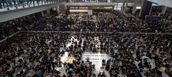 Hong-Kong protesters (Photo Credit: beta.washingtonpost.com)