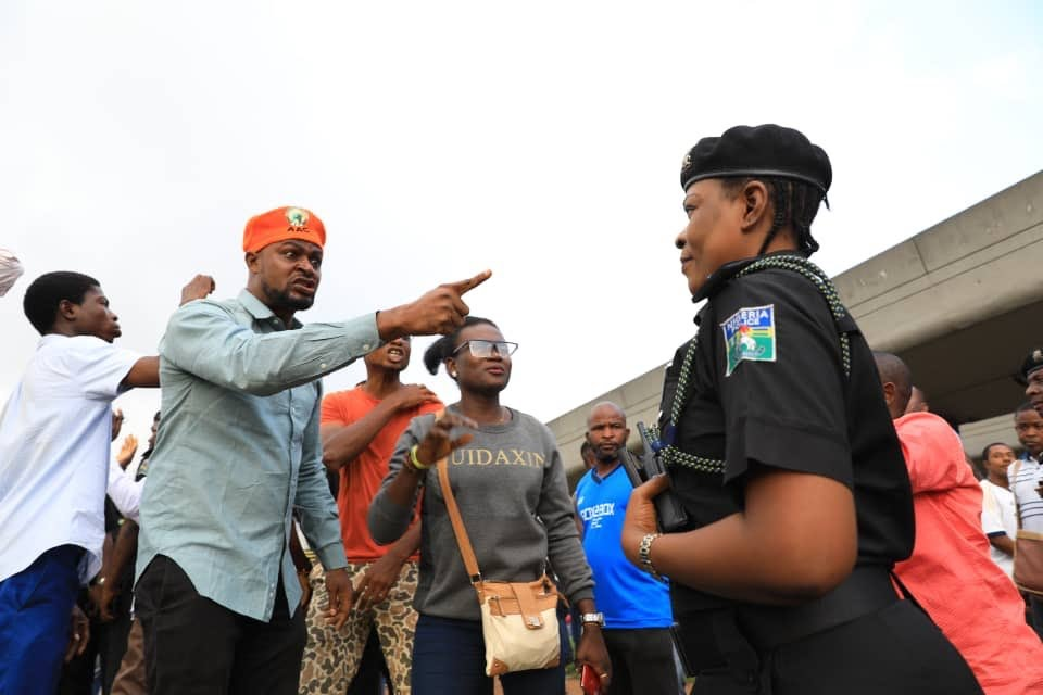 Security agencies attack, disrupt gathering of Soyinka, others in Lagos