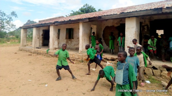 Pupils of Wuseli Central playing outside