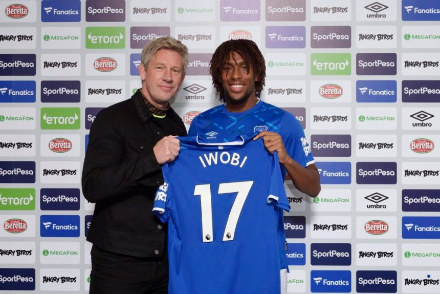 Everton's midfielder, Alex Iwobi.