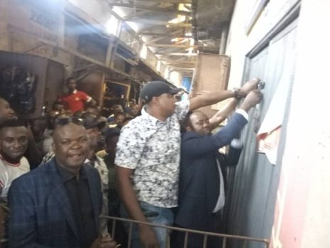 Traders at the Abakpa main market clashed with revenue officials over Internally Generated Revenue (IGR) which allegedly led to the death of one person