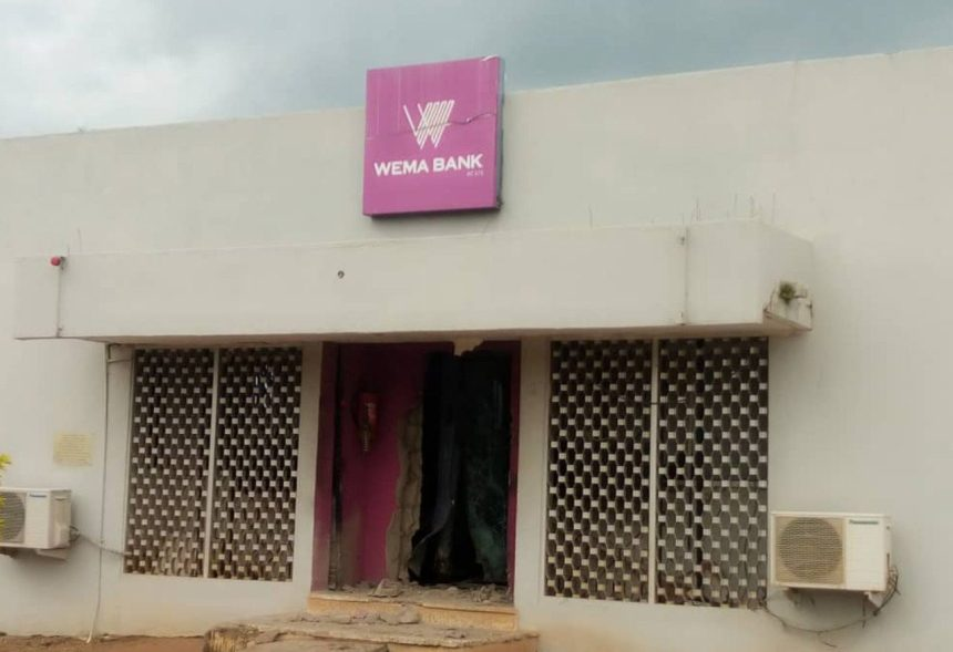 Robbers rob Wema Bank in Ondo State.