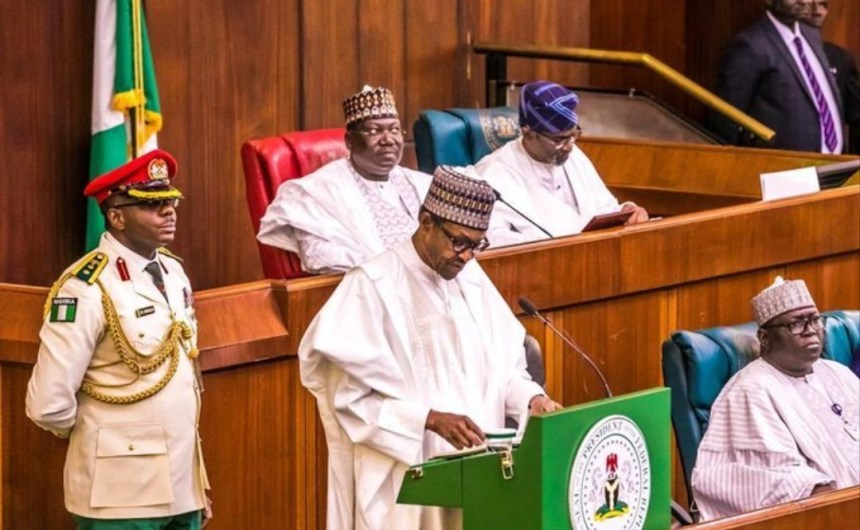 President Muhammadu Buhari presenting 2020 budget [PHOTO CREDIT: @OfficialPDP]