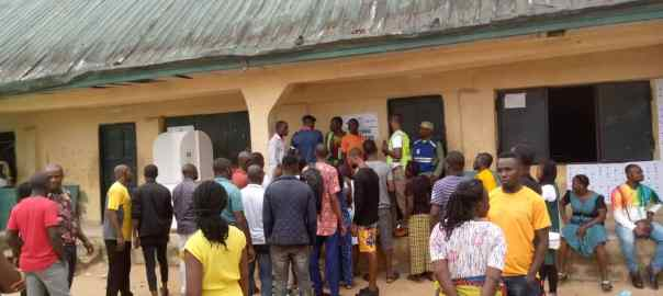 At 2:47pm PU4, Ward 6, Epiie lll, Yenegoa, Bayelsa APC agent has just distrupted on going election and also attacked presiding officer.