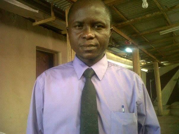 Dipo Awojobi, First Weekly Magazine editor