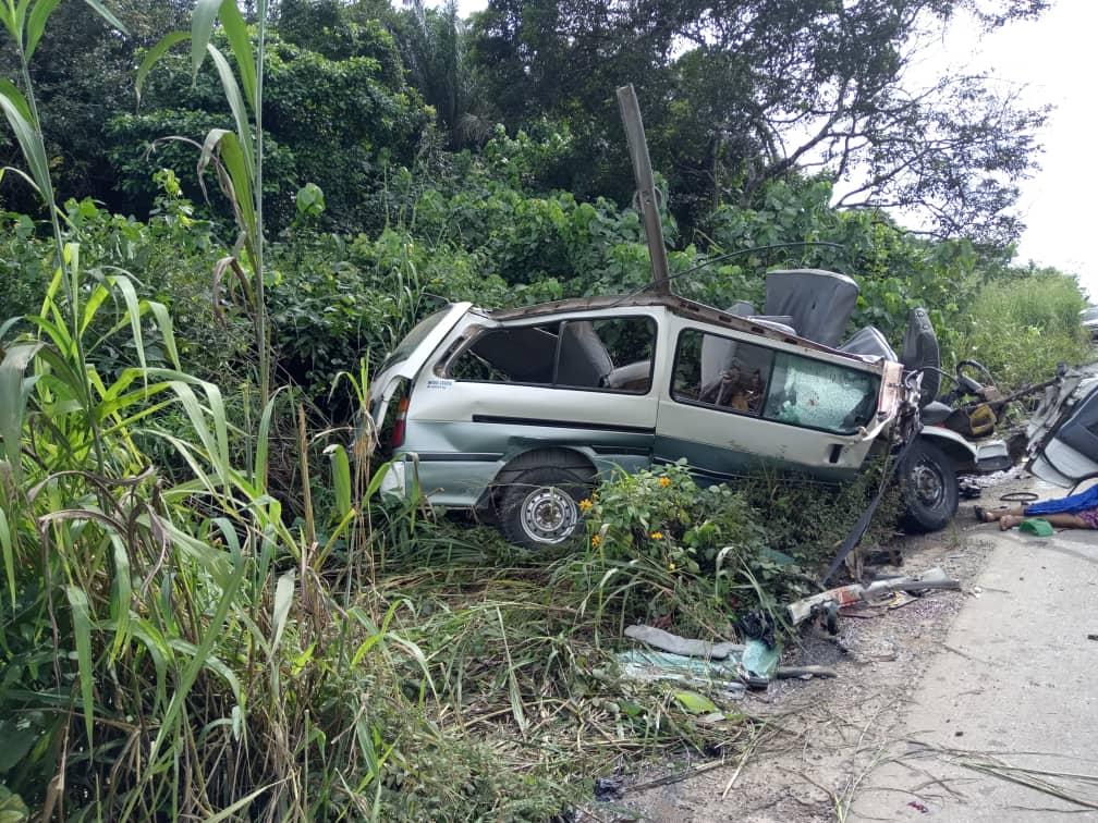 13 killed in Lagos-Ibadan Highway car crash - Premium Times