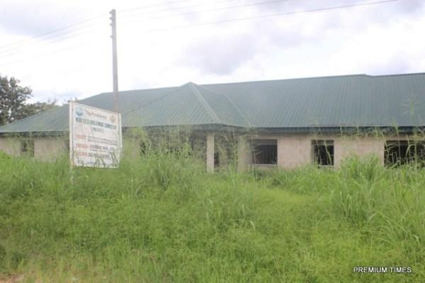 Abandoned main block of standard cottage/comprehensive health centre in Ekukunela