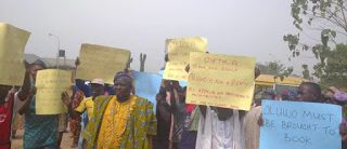 Protesters Demand Suspension Of Oluwo For Assaulting Colleague Over Land Dispute