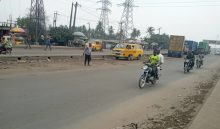 LAGOS: Oshodi- Apapa Expressway at Mile 2 road few Bikemen seen working due to fear of getting arrested by enforcement agencies.
