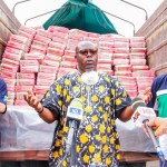 Flour Mills Nigeria officials during the distribution.