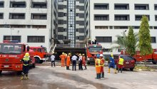Officials of the Federal fire service helped to put out the fire at the Treasury House