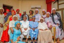 President Muhammadu Buhari and family. [PHOTO CREDIT: PM News]