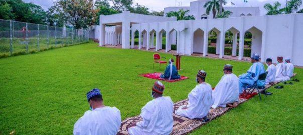 President @MBuhari and his immediate family observe the #EidAlFitr Prayer at the State House. [PHOTO CREDIT: @MBuhari]