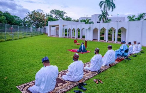 President @MBuhari and his immediate family observe the #EidAlFitr  Prayer at the State House. [PHOTO CREDIT: @MBuhari]