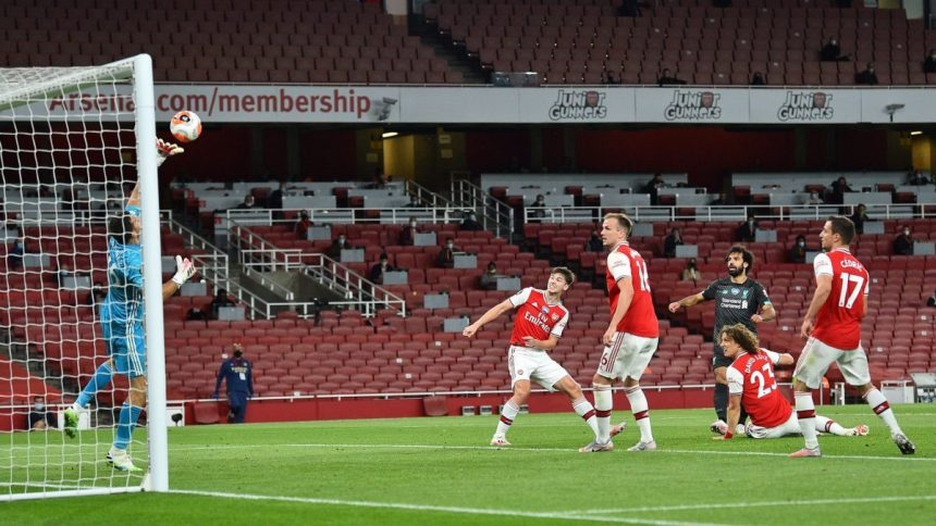 Arsenal players vs Liverpool's Mo Salah. [PHOTO CREDIT: Twitter account of Arsenal]