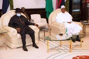 Former Nigerian President, Goodluck Ebele Jonathan, visits president Muhammadu Buhari at the state house. [PHOTO CREDIT: Official Twitter handle of Buhari || @MBuhari]