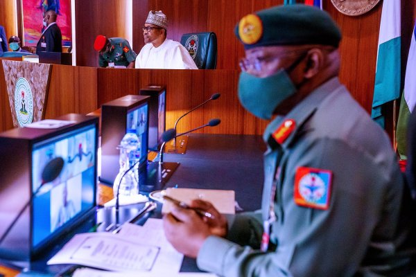 President @MBuhari presides over a virtual meeting with members of security committee of the Nigerian Governor's Forum this afternoon, at the State House, Abuja. (PHOTO CREDIT: Twitter @MBuhari)