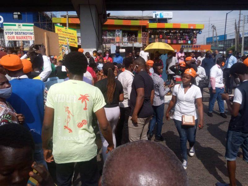Police Disperse Protesters in Lagos (PHOTO CREDIT: IFEOLUWA ADEDIRAN)