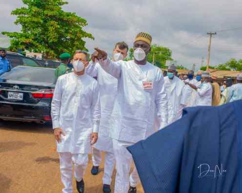 The groom, Alhaji Abubakar Musa (left), the Inspector General of Police, Mohammed Abubakar and the Sultan of Sokoto, Alhaji Saad Abubakar III exchanging pleasantries during the wedding Fatiha between Alhaji abubakar Musa and Zainab Shehu Fodio in Sokoto at the weekend.