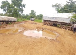 Sections of the bad road from Isua to Okene. [Photo Credit: Yusuf Akinpelu]
