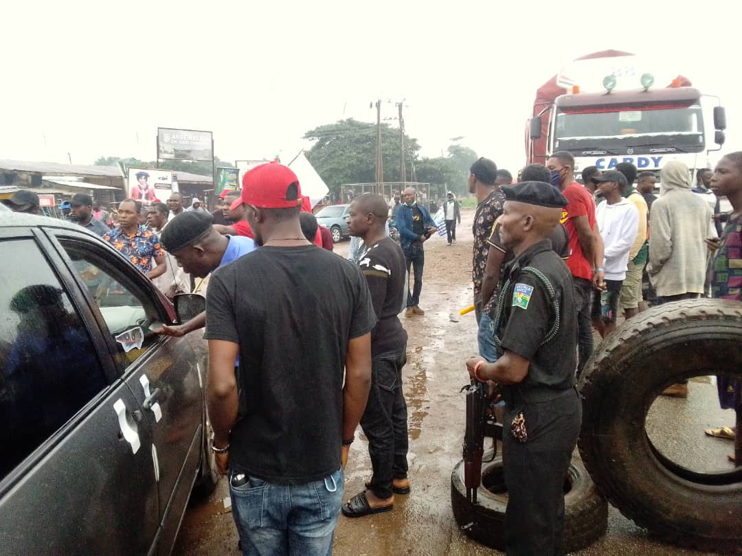 Commuters stranded as youth block Okpella-Okene-Abuja highway