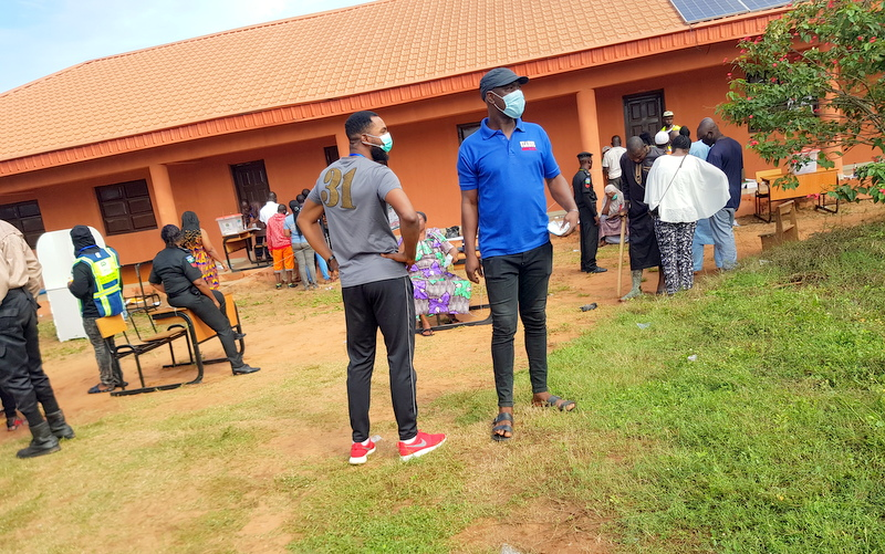 Two PDP loyalists at Philip Shaibu's polling unit (Credit Yusuf Akinpelu)