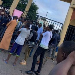 Students protest inability to pay fees, register, as Ibadan Polytechnic management postpones examination