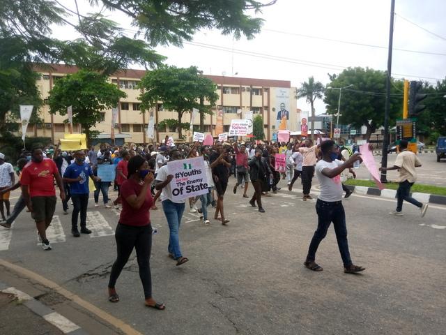 #ENDSARSNOW protesters in Lagos, Nigeria