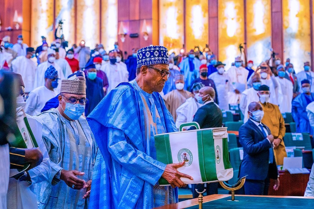President Buhari presents the 2021 Appropriation Bill to the National Assembly. [PHOTO CREDIT: @profosinbajo]