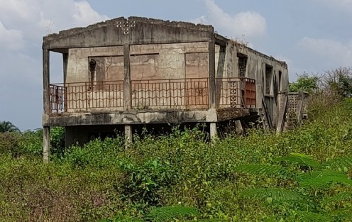 Burnt house in Akraba