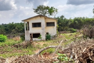One of the houses destroyed at Ooni's estate at Egbedore
