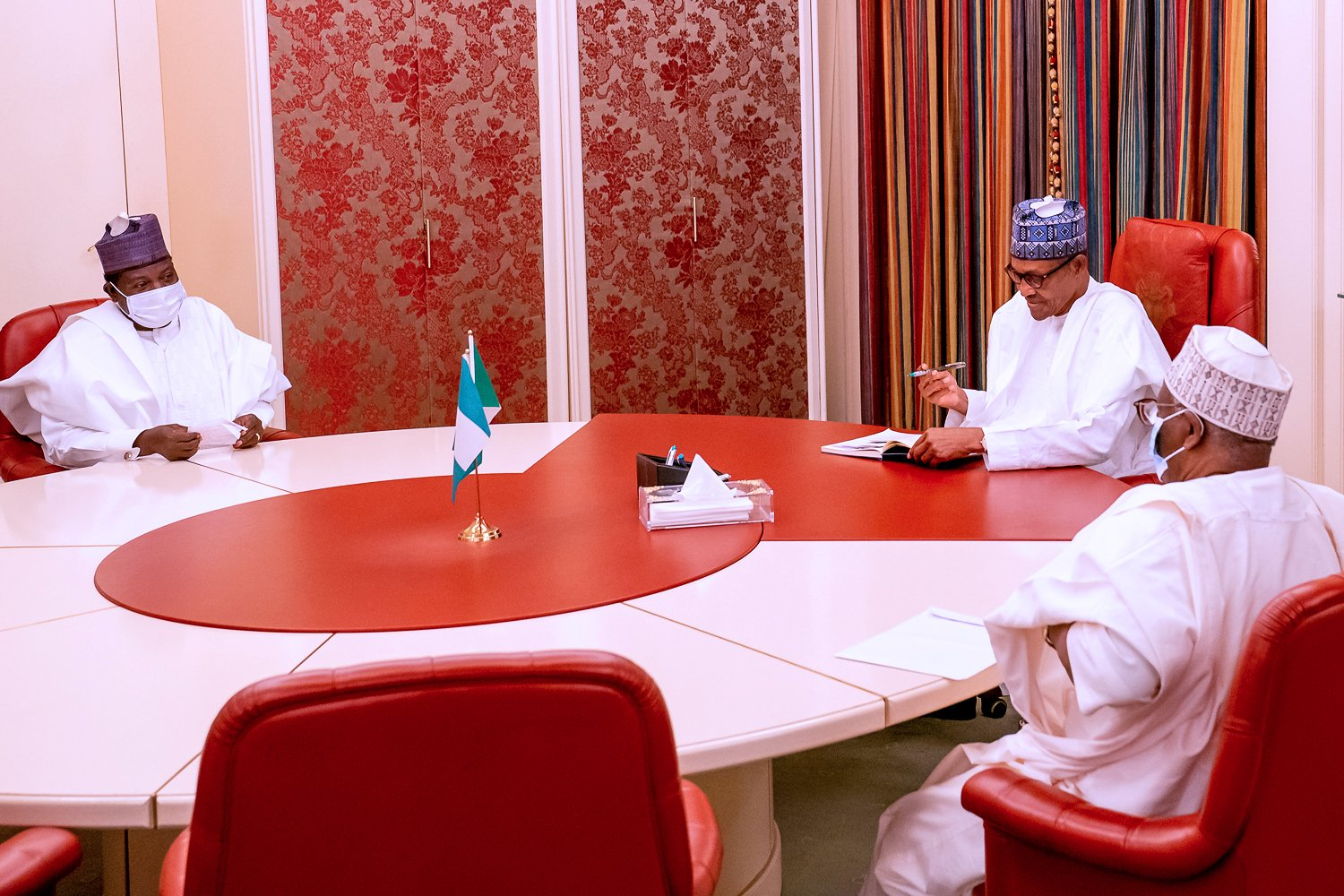 President Muhammadu Buhari receives in audience Plateau State Governor, H.E. Simon Lalong, at the State House, Abuja [PHOTO CREDIT: @NigeriaGov]