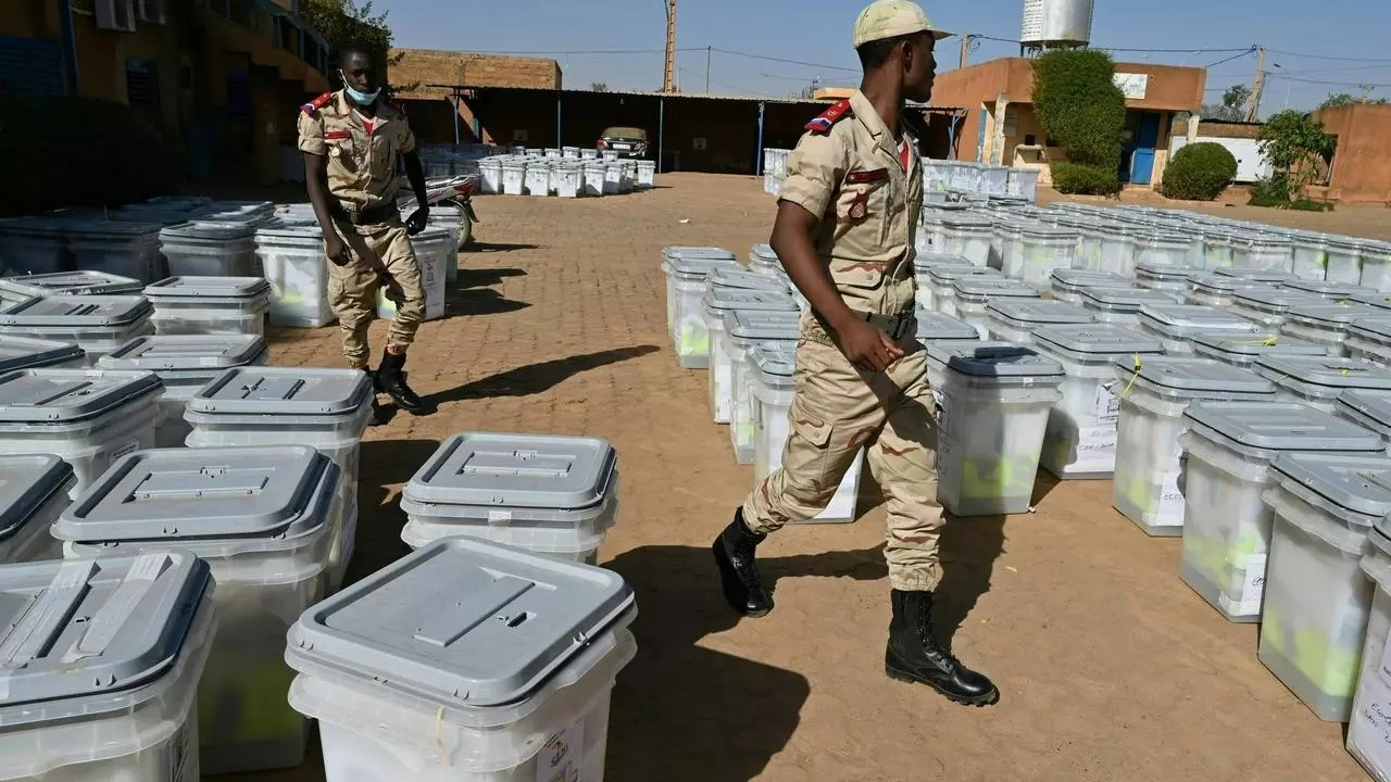 Nigeriens cast ballots in run-off vote for new president
