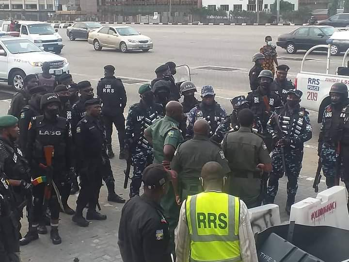 Police officers at Lekki tollgate ahead of Saturday's protests