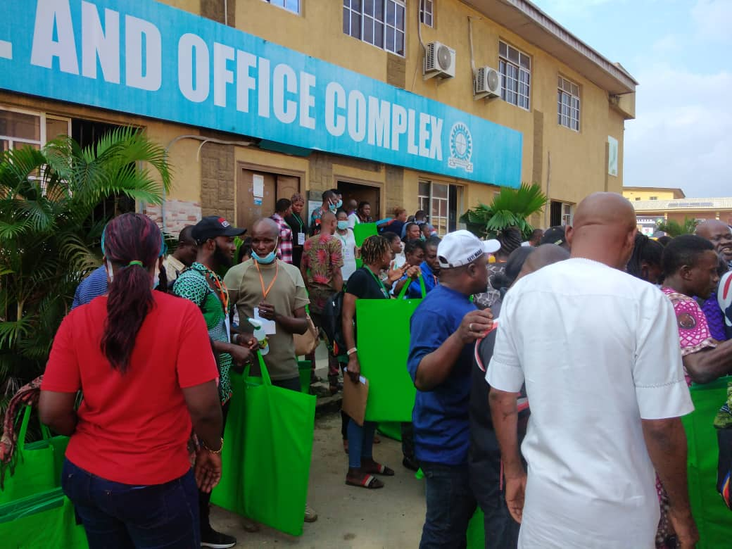 LASIEC officials with their voting materials (Cubicle, register and ballot boxes) in Coker Aguda LCDA in Surulere.