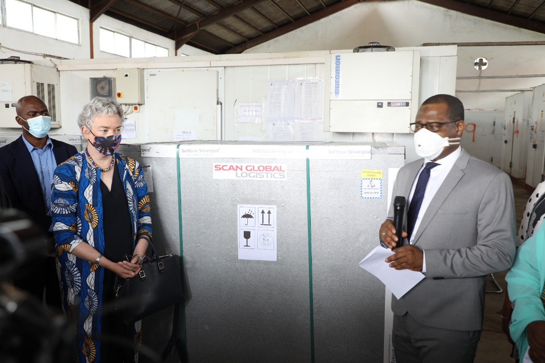 The Executive Director of the National Primary Health Care Development Agency (NPHCDA) Faisal Shuaib and the Acting British High Commissioner to Nigeria, Gill Atkinson at the unveiling of the 699,760 doses of Oxford AstraZeneca COVID-19 vaccines donated to Nigeria by the UK government
