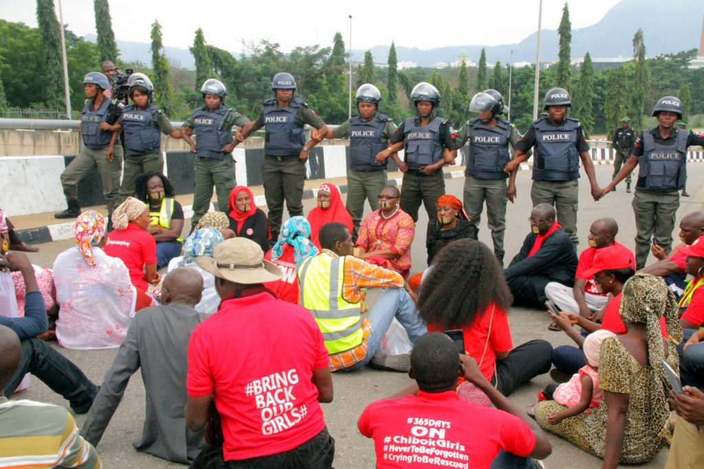 police-and-bbog-protesters