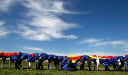 World's Biggest Flag Unfurled in Romania | The World from PRX