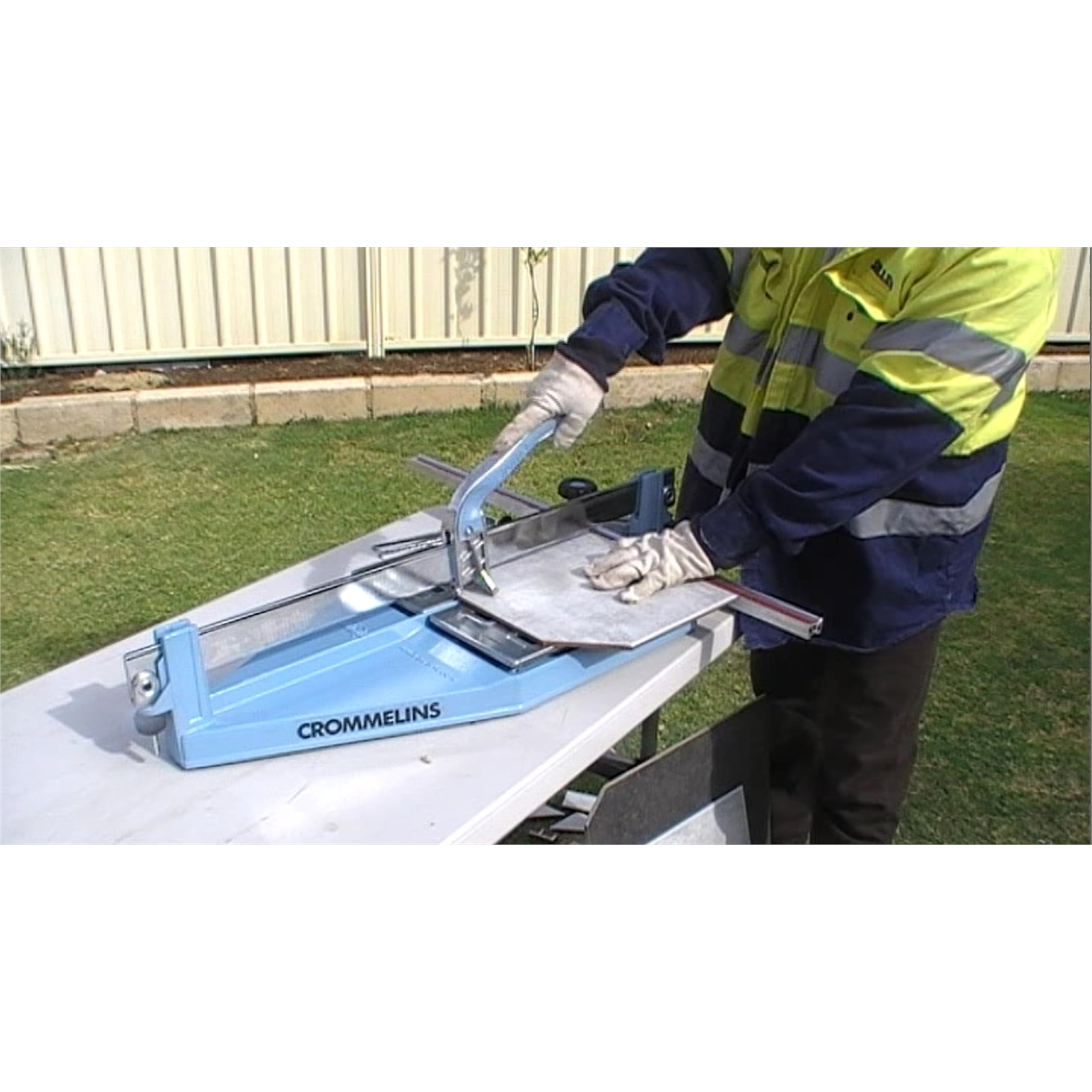 for hire 600mm hand tile cutter 24hr